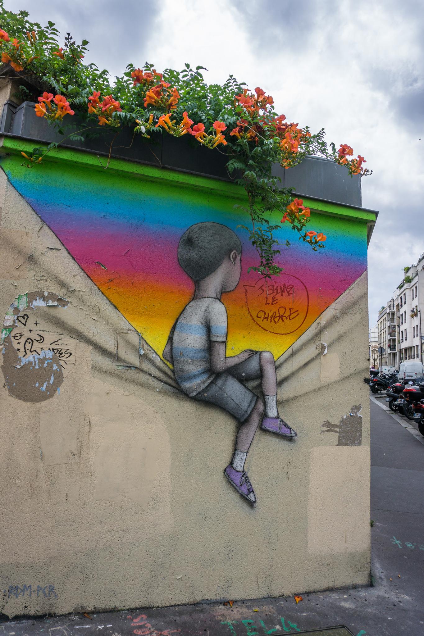 Paris Street Art H A M B A J A L A N